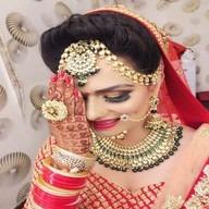 Girl arm bangle marriage lahenga dp smile